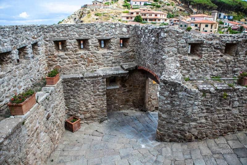 Giglio Castello Entrata